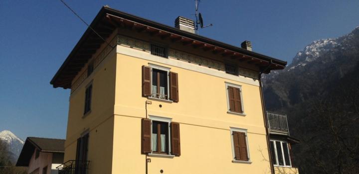 Renovasi bangunan perumahan di LENNA (Bergamo)