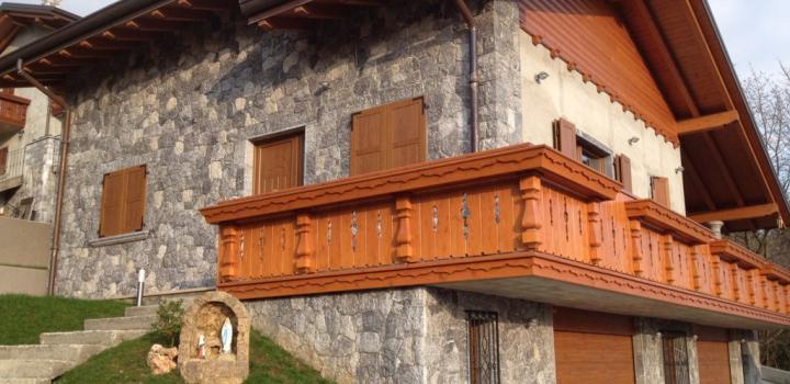 Dua rumah baru di DOSSENA (Bergamo)